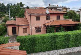 Novo u ponudi-Zamet kuća 250 m2,okućnica,garaža,konoba, Rijeka, Haus