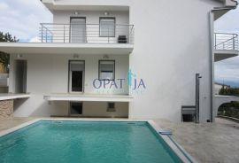 Opatija-Pobri kuća sa 6 stanova i bazenom, Opatija - Okolica, Kuća
