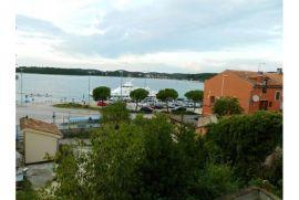 Rovinj, fantastičan stan sa vrtom i otvorenim pogledom na more, Rovinj, Stan