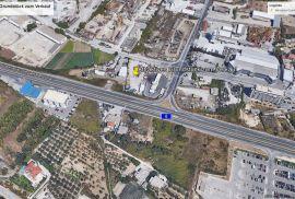 Prodaje se atraktivno zemljište u poslovnoj trgovačkoj zoni, Split - Okolica, Zemljište