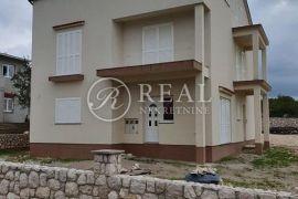 Novosagrađena kuća 270 m2 sa tri stana,800 m2 okućnice ,pogled na more, Kraljevica, Kuća