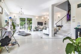Samobor, Mala Rakovica, prekrasna moderna dvojna kuća na zemljištu 2540 m2, Ev