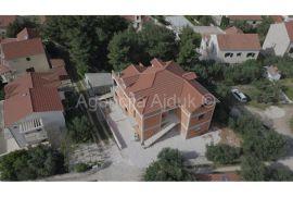Brač Splitska kuća u izgradnji 545 m2 blizina mora, Supetar, Casa