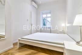 Strogi centar prekrasan dvosoban stan 50m2 + parking, Zagreb, Appartamento