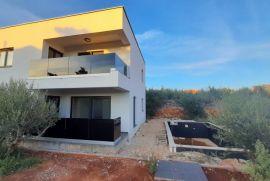 Krk, Moderna kuća s bazenom, Krk, Kuća