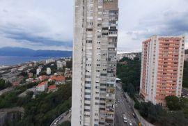 Stan Turnić, 77.00 m2, 16.kat, pogled na more, Rijeka, Kвартира