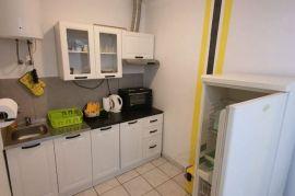 Novi Vinodolski, dvokatnica, 400 m2, 290.000 €!, Novi Vinodolski, Casa