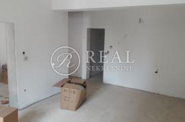 Gornja Vežica, etaža od 88 m2 sa pripadajućom terasom od 95 m2, Rijeka, Apartamento