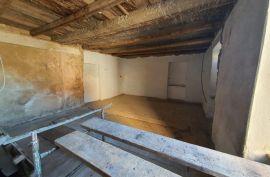 Stara gospodska kuća u Velom Dolu - 417 m2. Prilika!, Kraljevica, Casa
