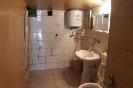 Kuća u Liču , Visoka prizemnica, 100 m2, Fužine, Famiglia