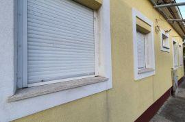 Kuća: Rijeka, prizemnica 50.00 m2 sa 580 m2 okućnice na Rujevici!, Rijeka, Σπίτι
