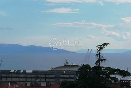 Belveder, 2S+DB od 65 m2 sa čijeg se balkona pruža prekrasan pogled na grad, Rijeka, Flat