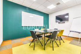 Knežija, funkcionalan uredski prostor za zakup NKP 880 m2, Zagreb, Commercial property
