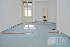 Poslovni prostor 28m2 na prvom spratu, naselje Skenderija, Sarajevo Centar, Poslovni prostor