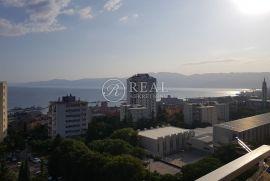 Kozala, 2S+DB u neboderu sa novom fasadom od 64 m2, Rijeka, Stan