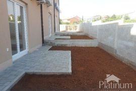 Istra, Vodnjan, Barbariga, novo izgrađena kuća 98m2 sa malom okućnicom, Vodnjan, بيت