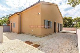Barbariga- dvojna kuća, Fažana, بيت