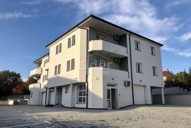 Zamet 109.67m2 stan + 20m2 garaža - novogradnja, Rijeka, Appartement