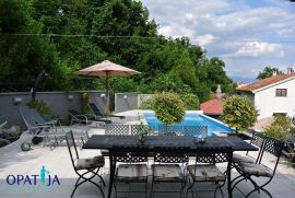 Opatija, penthouse 289 m2, garaža, bazen, okućnica, Opatija, Διαμέρισμα