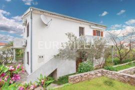 Murter, prekrasna samostojeća kuća, Murter, Casa