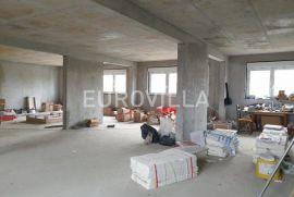 Dubrava, poslovni prostor za zakup 205 m2, NOVOGRADNJA, Zagreb, Propiedad comercial