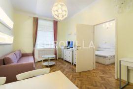 Tkalčićeva, uređen trosoban stan 60 m2, Zagreb, Apartamento