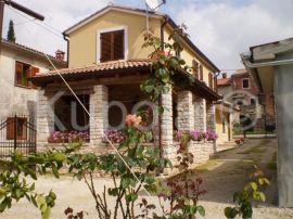 Debeljuhi, prekrasna kamena kuća, Žminj, بيت