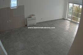 Ds2676 Na prodaju stan sa dvije spavace sobe, nov neuseljavan, Tivat, Tivat, Stan