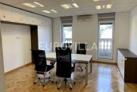 Strogi centar, poslovni (uredski) prostor za zakup 103 m2, Zagreb, Propriété commerciale
