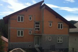 Kuća: Kupres, 120m2, Kupres, Ev