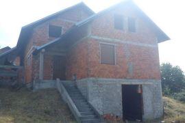 Kuća: Prijedor, Naselje Aerodrom Prijedor, 270 m2, Prijedor, Famiglia