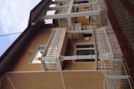 Kuća: Bosanska Krupa, Otoka, 250 m2, 150000 EUR, Bosanska Krupa, Famiglia