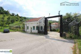 Prodaje se zemlja sa kompleksom objekata u sarajevu, Vogošća, Propriété commerciale
