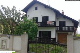 Kuća u dvije etaže 1675/PZ, Brčko, Famiglia