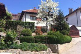 Dvospratna kuća u Sarajevu POFALIĆI, Novo Sarajevo, Kuća