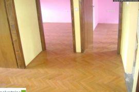 Renoviran trosoban stan 1763/IP, Brčko, Appartment