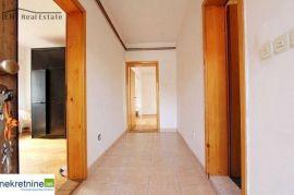 Prodaje se i izdaje kuća u naselju aneks,sarajevo, Novo Sarajevo, Casa