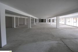 Poslovni prostor - NOVOGRADNJA Tibra Pacific 1600m2, Ilidža, العقارات التجارية