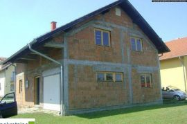Ne završena kuća Pr+Pot 1534/IP, Brčko, Maison