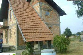 Kuća Pr+Pot 1557/IP, Brčko, Famiglia