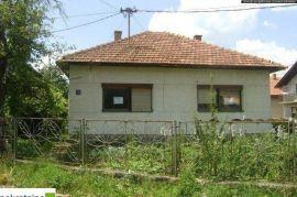 Prizemna kuća 102 m2 na placu površine 386 m2 1540/GT, Brčko, Famiglia