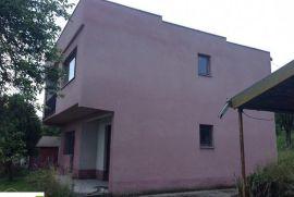 Kuća sa zemljistem, Rogatica, House