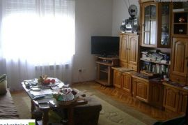 Kuća sa poslovnim prostorom 1493/GT, Brčko, Σπίτι