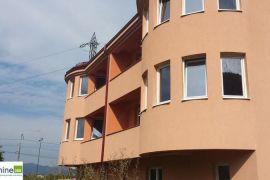 Kuća u Sarajevu, Ilidža, Famiglia