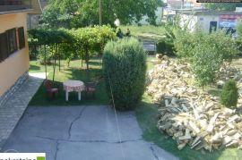 Imanje sa lokalom, dvije kuće i pomoćni objekti 1986/GT, Brčko, بيت