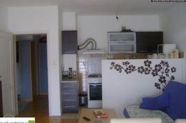 Dvosoban stan u novoj gradnji 1978/GT, Brčko, شقة