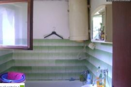 Dvosoban stan u austro-ugarskoj gradnji 1990/PD, Brčko, شقة