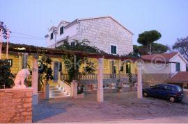 luksuzna vila s bazenom otok Brač, Sutivan, Casa