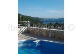 SNIŽENO-Prelijepa villa sa bazenom!, Marina, House