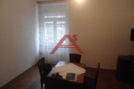 Maksimir - Kvatrić, Livadićeva, trosoban stan76,15 m2, viskoko prizemlje, Zagreb, Gewerbeimmobilie